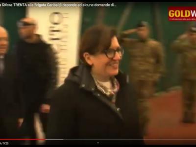 VIDEO. CE. Il Ministro della Difesa TRENTA alla 'Brigata Garibaldi' risponde ad alcune domande di 300 studenti casertani