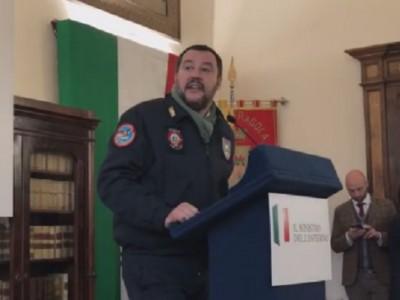 VIDEO. Il ministro Salvini ad AFRAGOLA: